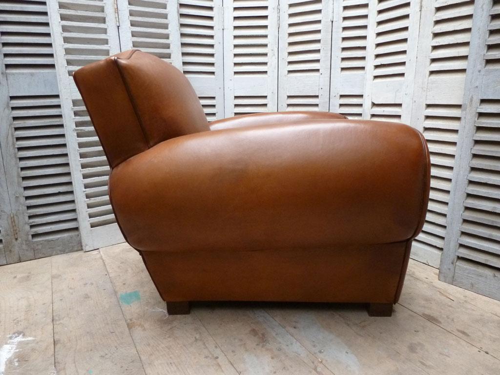 fauteuil club moustache madebymed fauteuil club restauration traditionnelle de fauteuils. Black Bedroom Furniture Sets. Home Design Ideas