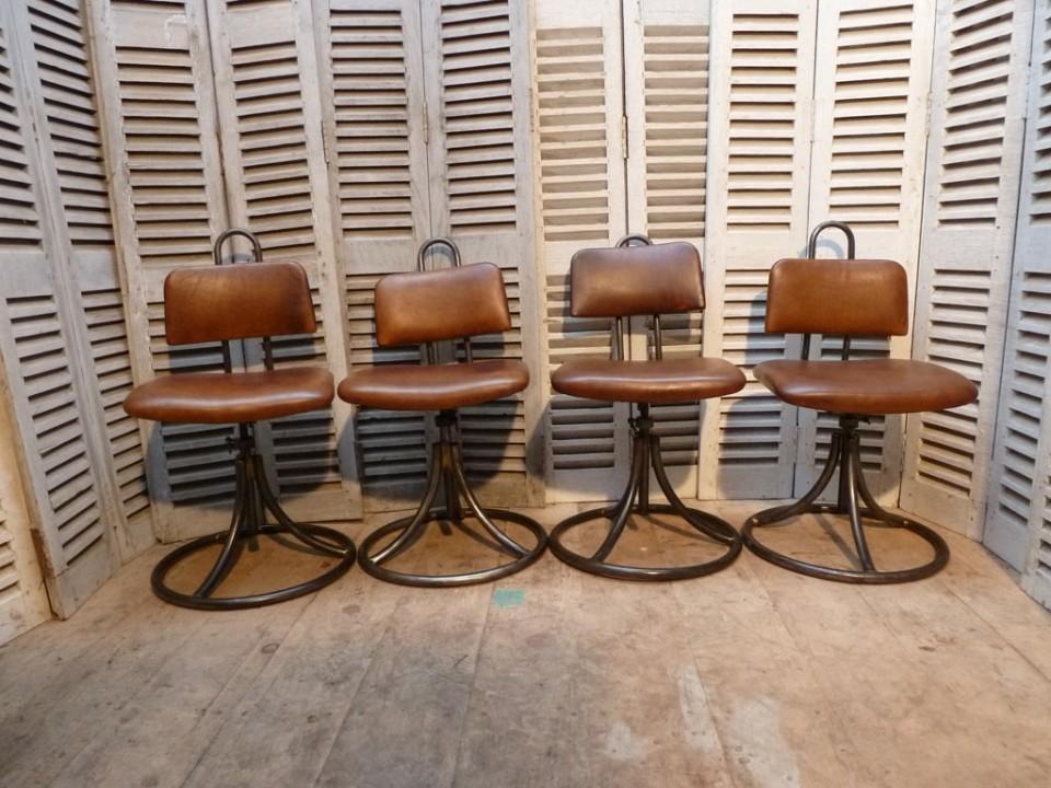 chaise-armée-1.72