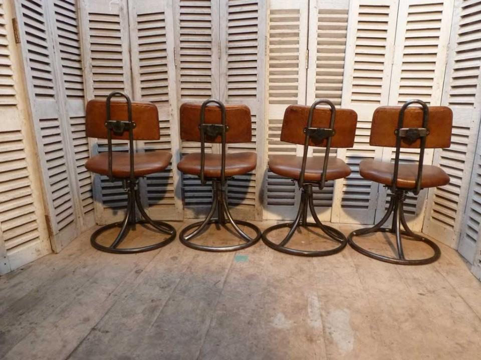 chaise-armée-2.72