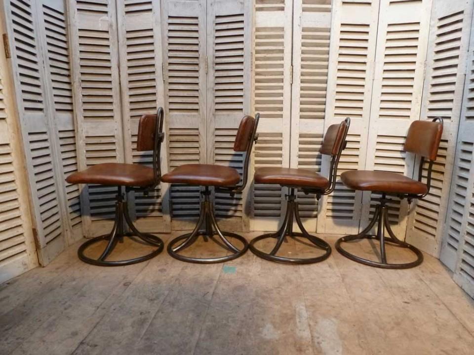 chaise-armée-4.72