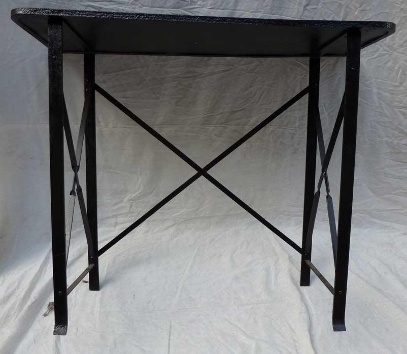 console en m tal madebymed fauteuil club restauration traditionnelle de fauteuils club. Black Bedroom Furniture Sets. Home Design Ideas