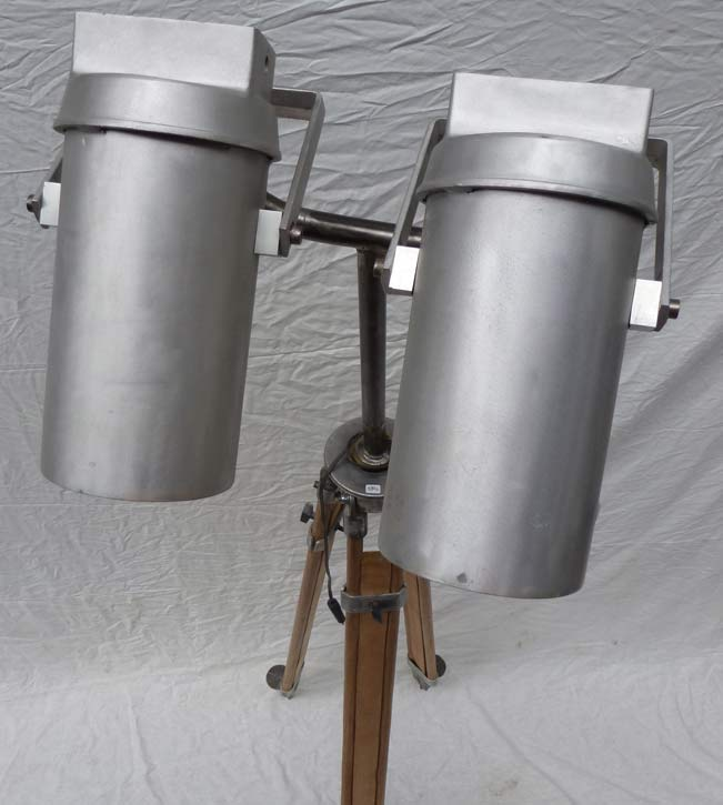 lampe-trepied-1