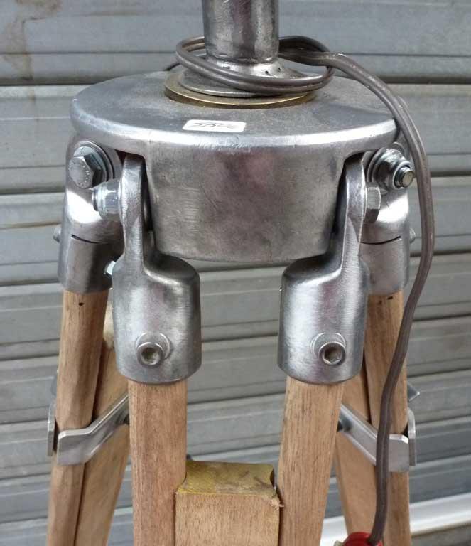 lampe-trepied-5
