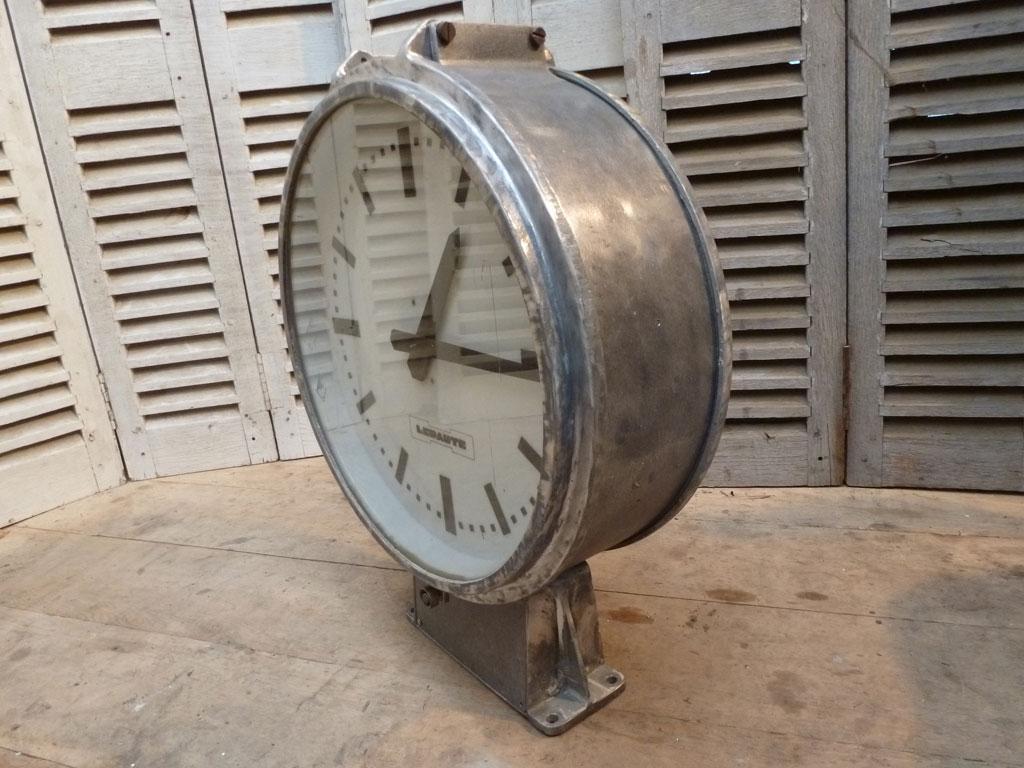 Horloge de gare double face lepaute ato madebymed fauteuil club restaura - Horloge double cadran ...